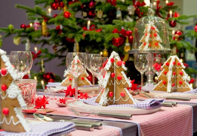 homemade-edible-christmas-trees-festive-dining-table-idea