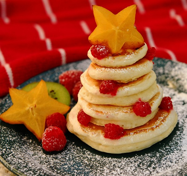 edible christmas trees mini pankakes fruit stars decorations
