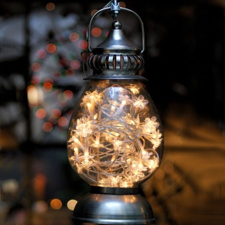 outdoor-christmas-decor-old-lamp-filled-with-ligt-chains
