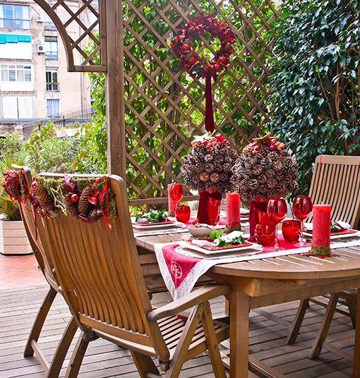 Outdoor Dining Table Christmas Decoration Ideas Pinecones