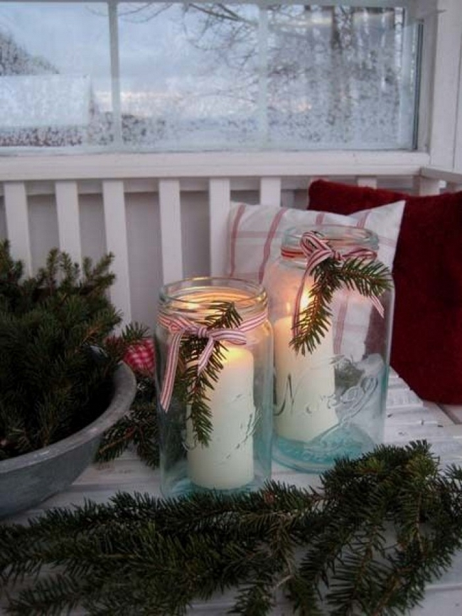 porch-winter-decoration-ideas-mason-jars-greenery -