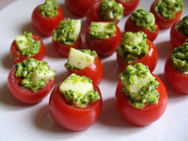christmas party appetizers cherry tomatoes ideas cheese pesto