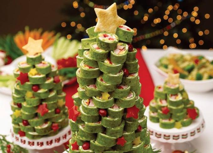 christmas-party-appetizers-finger-food-sushi-tower-christmas-tree