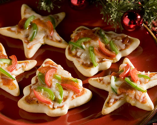 christmas party appetizers kids food mini pizzas cookie cutters ideas