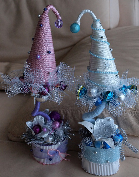 diy christmas gift idea styrofoam conical form pink blue rope art paper decoupage