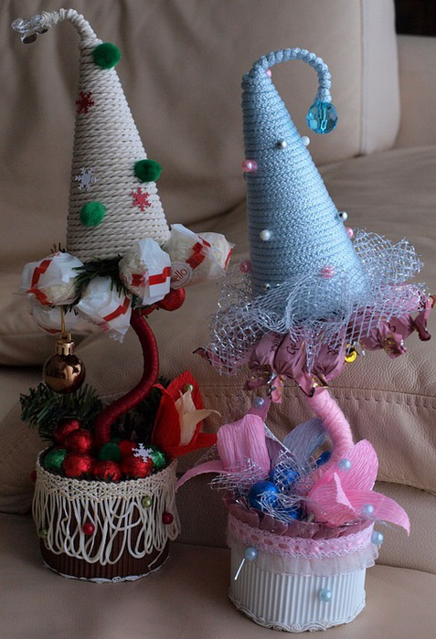diy christmas topiary trees unique gift idea colored craft paper different type candy