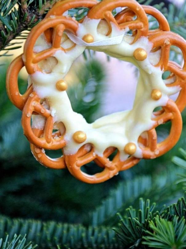 diy christmas tree ornaments ideas pretzels white frosting