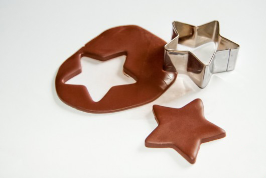handmade-christmas-ornaments-brown-modelling-clay-star-cookie-cutter