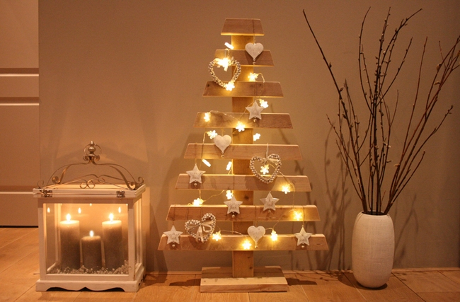 last-minute-diy-christmas-decorations-candles-lights-chains-wooden ...