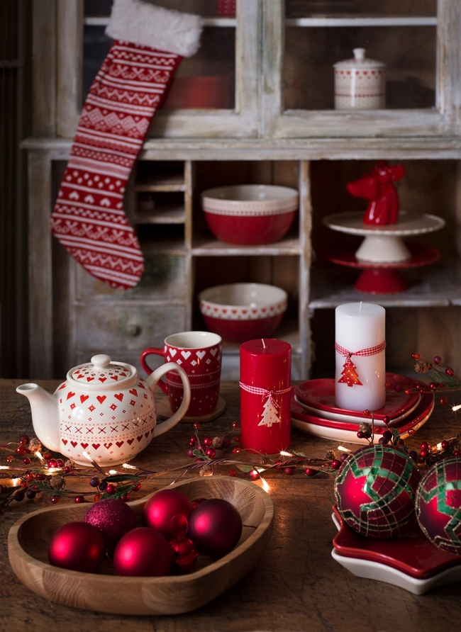 last-minute-diy-christmas-decorations-red-white-christmas-patterns -