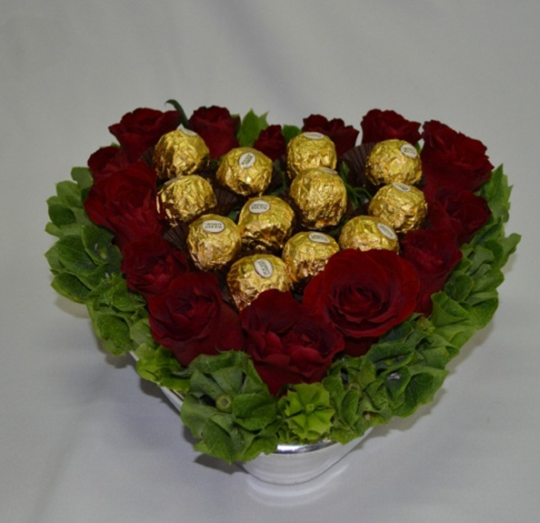 valentine's day gift ferrero rocher red roses green foliage