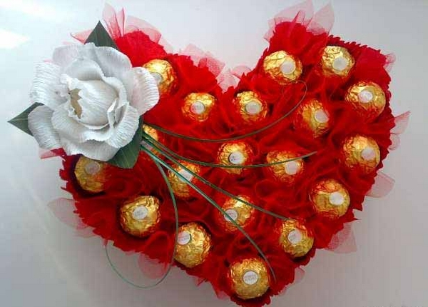 DIY Valentine's Day gift idea ferrero rocher red organza toothpicks