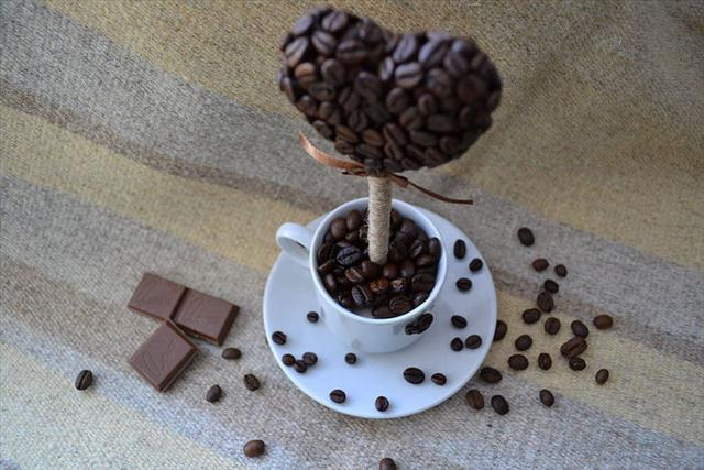 make valentines day gift heart topiary coffee beans