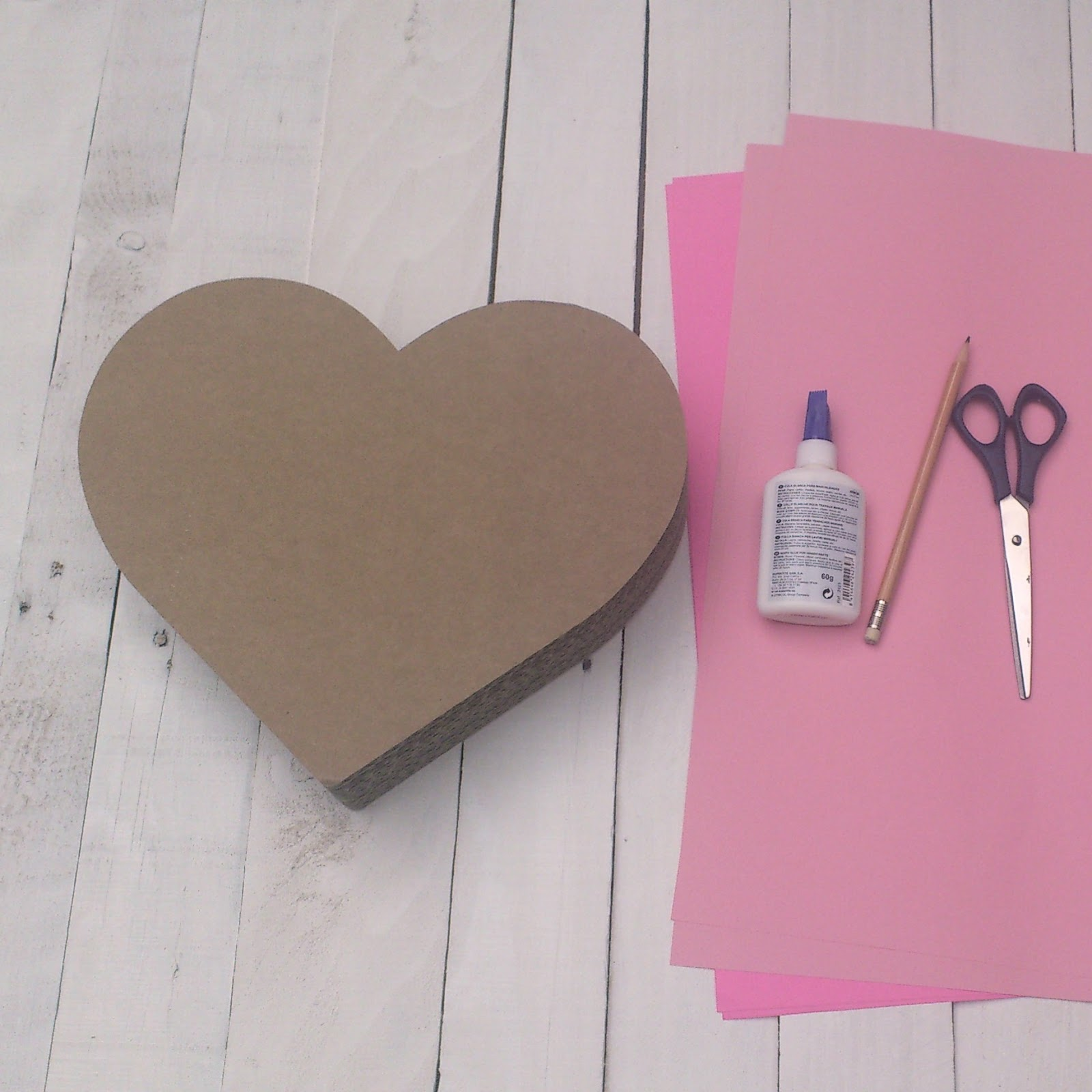 gift wrapping ideas cardboard heart box decorating