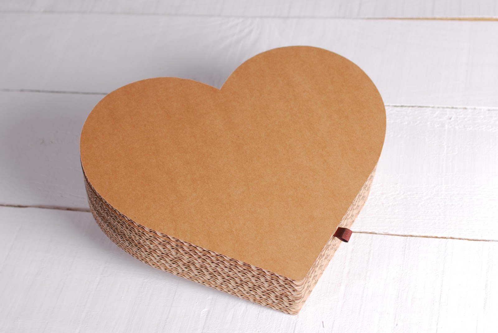 Gift wrapping ideas cardboard heart box homemade craft