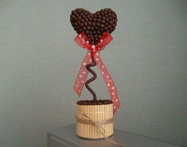 Homemade Valentine's Day gift coffee topiaries red ribbons