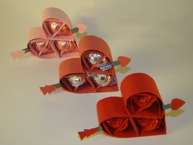 homemade-valentines-day-gifts-for-him-sweets-paper-hearts