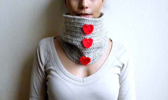 homemade valentines day gifts her knitted neckwarmer red hearts