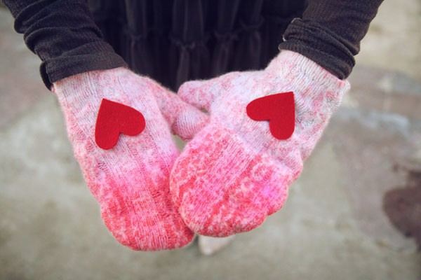homemade valentines day gifts her pinned felt hearts mittens