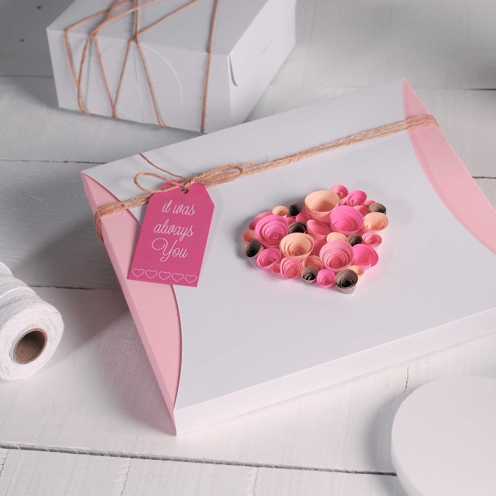 romantic gift wrapping ideas festive box love message