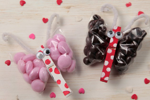 valentines-day-crafts-kids-ideas-butterflies-candy-clothespin -, Ideas