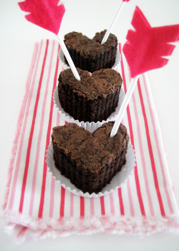 valentines day gift idea heart shaped  brownies arrows