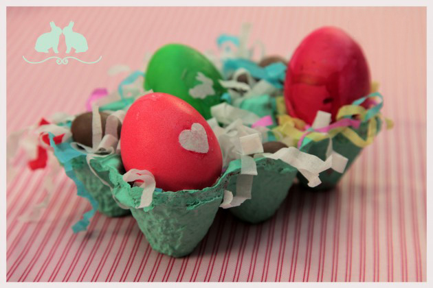 easter egg decorations dyeing paper hearts egg carton