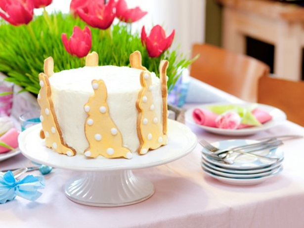 Homemade Cake Decorating Stand : easter table cake stand cookie bunny shaped cookies decor