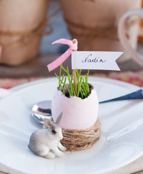 easter table diy decorations egg shells vases place cards burlap yarn