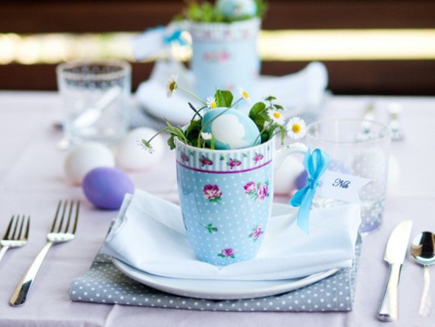 easter table ideas crafts blue dyed eggs daysies plate