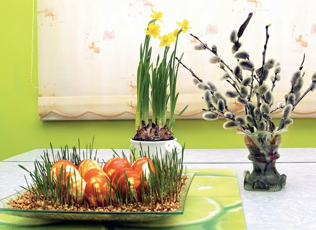 diy spring home decorating ideas easter eggs grass sprouts daffodils willow catkin
