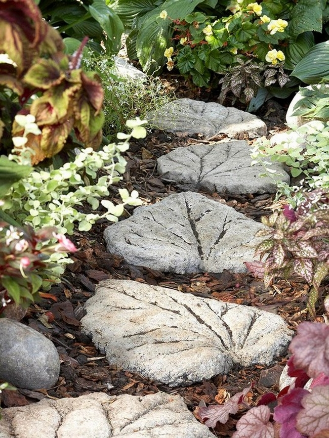 diy stepping stones garden concrete big leaves moulds