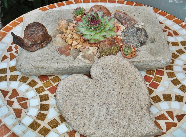 garden decor heart shaped concrete mold succulent planter