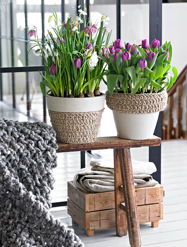 Spring Decorating Ideas Home Purple Tulips Pots Skandinavian Style