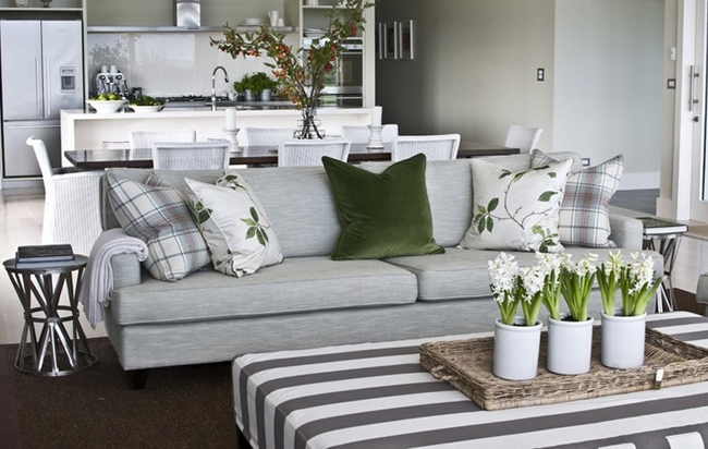 Spring decorating ideas refresh your home with spring flowering bulbs for Living room decorating ideas 2014