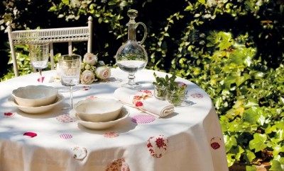 diy-spring-table-decorations-garden-table-cloth