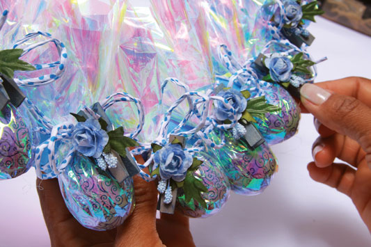 fun kids craft easter wreath ideas chocolate eggs