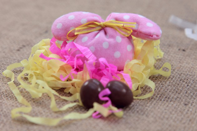 how-to-sew-easter-bunny-sachet-seeds-rice-decor-idea-kids