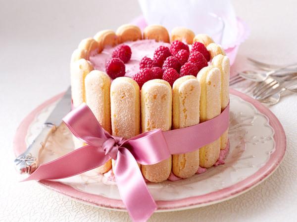 Lemon Raspberry Charlotte Cake
