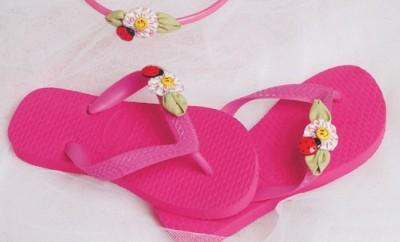 diy-flip-flops-kids-fuchsia-color-embellishments-flowers