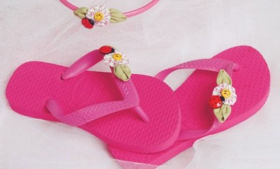 diy-flip-flops-kids-fuchsia-color-embellishments-flowers