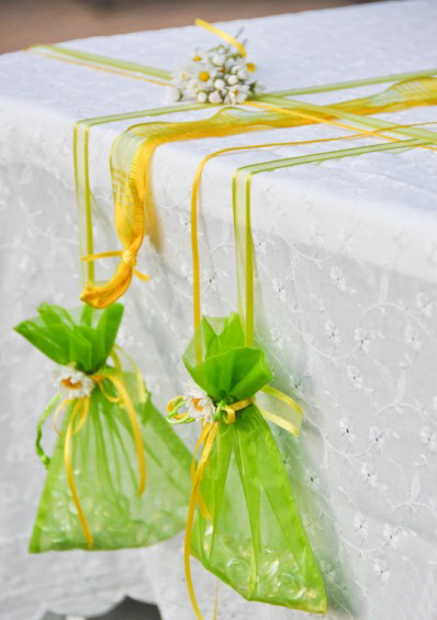 easy tablecloth weights summer garden party organza gift pouches