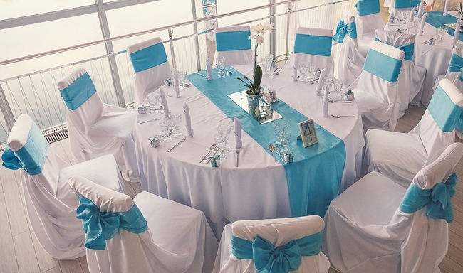 beach themed wedding ideas reception table white turquoise