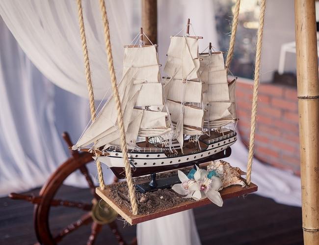 beach wedding decor ideas reception-decor-ship-sand
