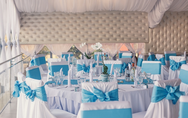 Beachthemedweddingreceptiondecorturquoisewhite - Beach wedding reception decoration ideas