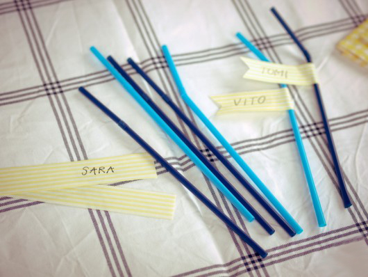 summer picnic ideas crowd cups straws name markers