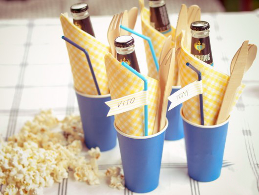 Summer picnic party ideas beverages guests names straws