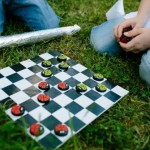 DIY board game for kids – How to make bottle cap Checkers