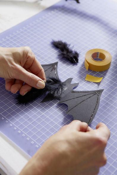diy halloween ideas bats black cardboard paper black feather body