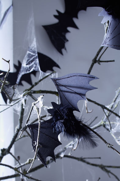 diy halloween decorations ideas cardboard paper bats feathers